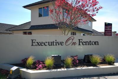 Executive On Fenton