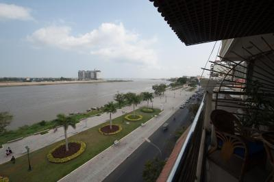 Riverview Suites Phnom Penh - The Cadillac