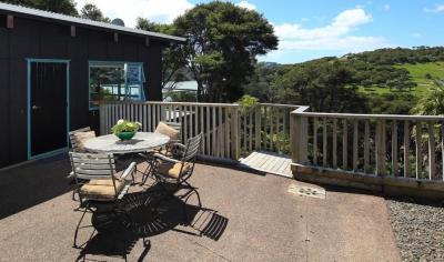 Wharetana Cottage - Te Whau Bay