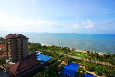 Sanya Bay Guest House All Suites Hotel