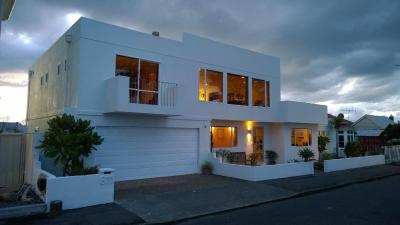 The White House on Marine Parade Bed & Breakfast