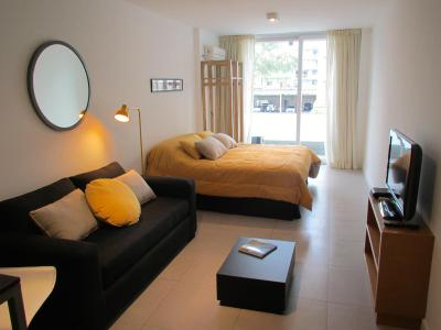 Niceto Apartment