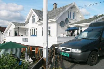 Two-Bedroom Holiday home in Karmsund