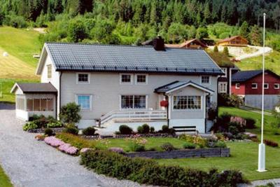 Four-Bedroom Holiday home in Måndalen