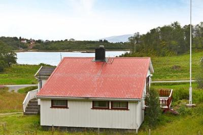 Two-Bedroom Holiday home in Straumsjøen