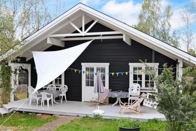 Two-Bedroom Holiday home in Figeholm