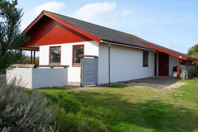 Two-Bedroom Holiday home in Fanø 4