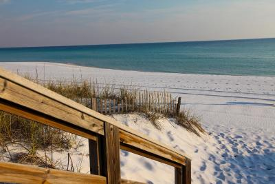 Destin on the Gulf by Holiday Isle