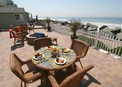 Oceanside Beach Apartment 2