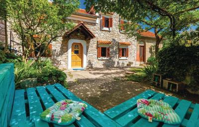 Two-Bedroom Holiday home in Krasica
