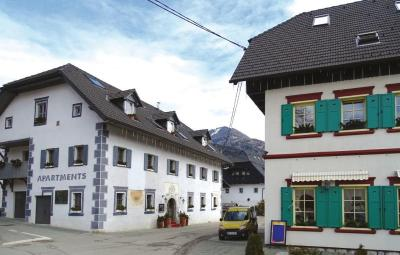 Two-Bedroom Apartment with Mountain View in Podkoren