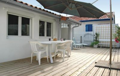 Holiday Home De la Plage - 03