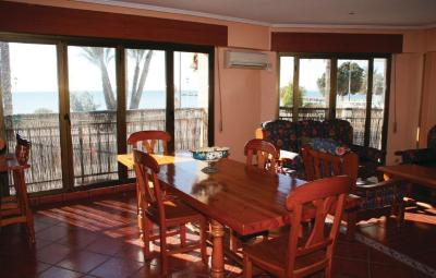 Four-Bedroom Apartment Santa Pola with Sea View 01
