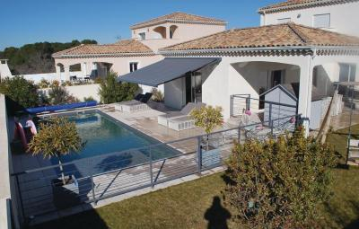 Four-Bedroom Holiday home Beziers 0 01
