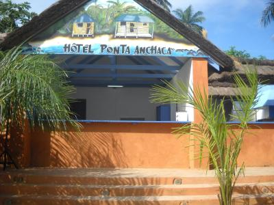 Ponta Anchaca Lodge