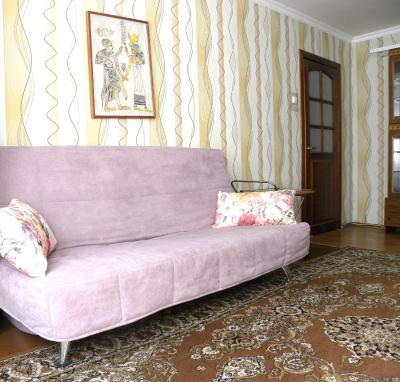 Apartment on Dovatora
