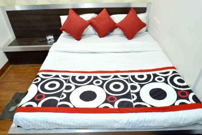 OYO Rooms Radisson Square