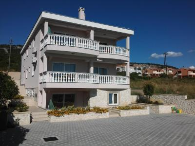 Apartments Cirjak