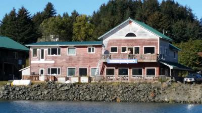 Tide Pool Cafe and Lodge