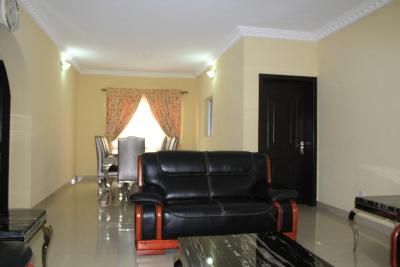 Habitat Suites International Apartment