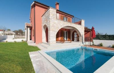 Holiday home Kontesici 76 with Outdoor Swimmingpool