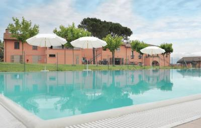 Apartment Castiglione del Lago with Outdoor Swimming Pool 238