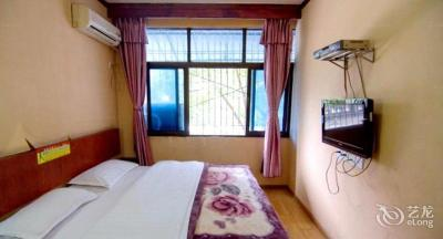Mianyang Longfeng Guest House