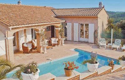 Holiday home Les Adrets de l'Este 41 with Outdoor Swimmingpool