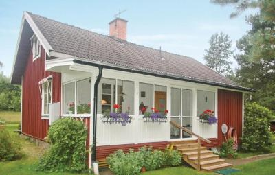 Holiday home Risäters gård Råda