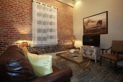 French Quarter Luxury Two-Bedroom Suite 1204