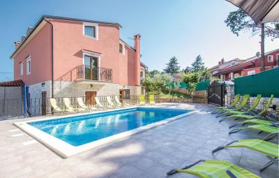 Six-Bedroom Holiday home 0 in Rovinj