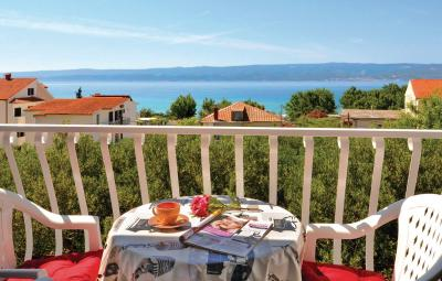 Two-Bedroom Apartment Omis with Sea View 04
