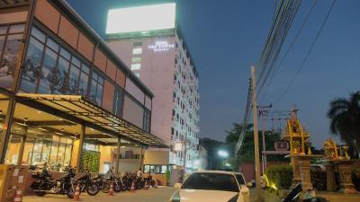 The Tower Praram 9 Hotel