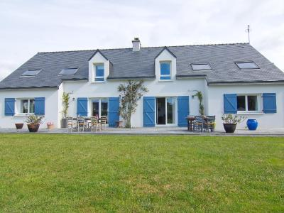 Holiday Home Saint Philibert 3728