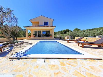 Holiday Home Veli Rat 5592