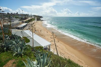 Luxury Apartment in Estoril Beach