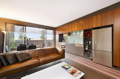 Melbourne Funky Modern 1bed Apartment (6MADK)