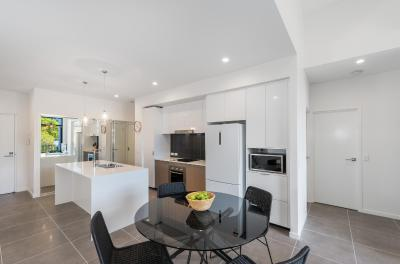 H6B 3BR Bulimba - Uptown Apartments