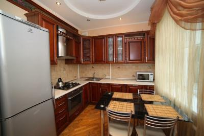 Apartment on Talbukhina