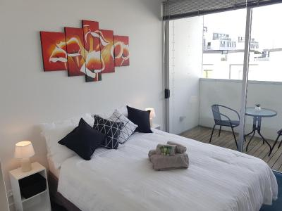 FISHER POINT - SHARED APARTMENT