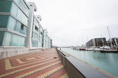 3 Bedroom Double Waterfront Luxury Apartment