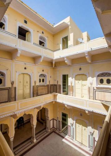 Dhabhai Palace