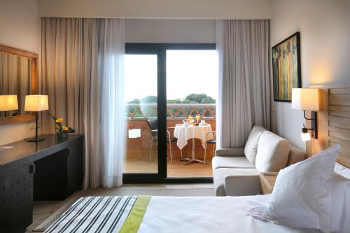 Superior Double Room with Premium Services and Free Spa Access (2 Adults + 2 Children)