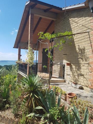 Una Terrazza sul Lago Trasimeno, Magione | BedroomVillas.com