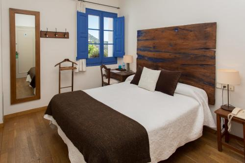 Double or Twin Room - single occupancy Hostal de la Plaça 14