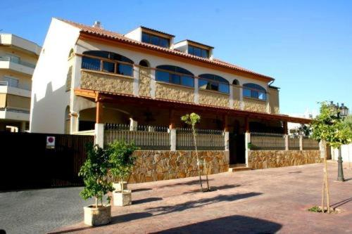 Apartamentos María Del Carmen (B&B)