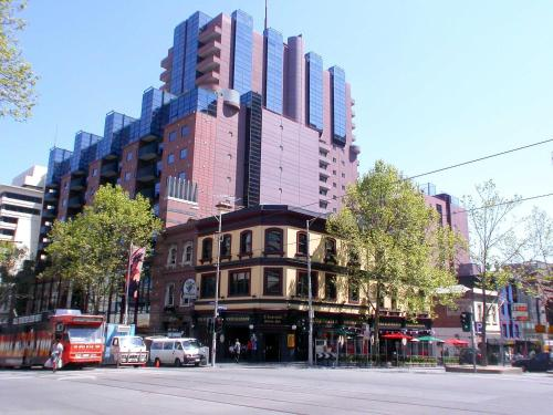 Paramount Apartments Melbourne Photos