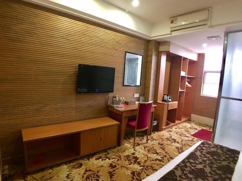 Enping Jinyi Business Hotel