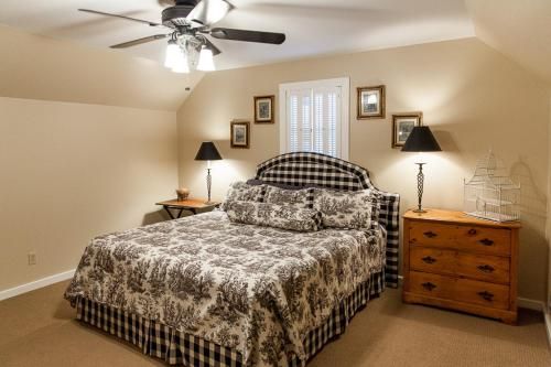 Live Oak Bed And Breakfast