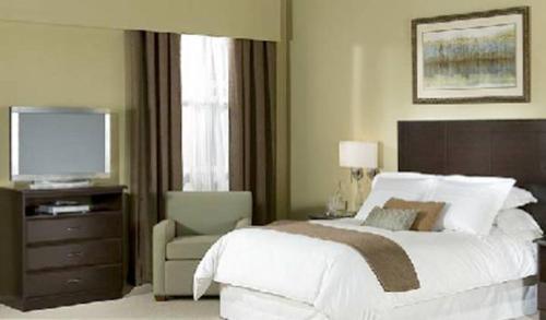 Ambassador Inn & Suites